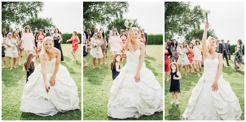 39-lancio-del-bouquet-matrimonio-toscana