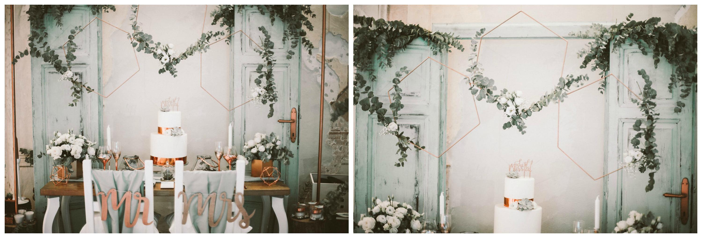 8-vintage-door-wedding-sage-green