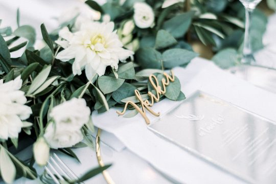 place setting wedding in tuscany